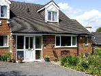 CROOKS COTTAGE, family friendly, country holiday cottage, with a garden in Turnditch, Ref 3548
