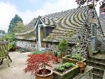 THE STABLE, pet friendly, character holiday cottage, with a garden in Parwich, Ref 3661