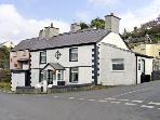 ROYAL OAK COTTAGE, pet friendly, with a garden in Amlwch Port, Ref 3817