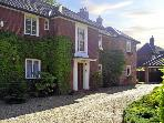 THE ANNEXE, country holiday cottage, with a garden in Norwich, Ref 4039