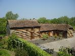 THE OLD STABLES, family friendly, character holiday cottage, with open fire in North Piddle, Ref 4063