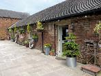 TULIP TREE COTTAGE, family friendly, luxury holiday cottage, with a garden in Turnditch, Ref 4255
