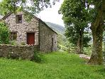 GRAIG LAS, pet friendly, character holiday cottage, with hot tub in Llangynog, Ref 4347