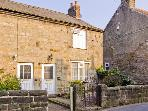 FERNDENE COTTAGE, romantic, country holiday cottage, with open fire in Scotton Near Knaresborough, Ref 4437