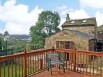WOODHEAD COTTAGE, romantic, country holiday cottage, with a garden in Tintwistle, Ref 4473