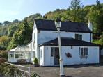 WALNUT TREE COTTAGE, pet friendly, country holiday cottage, with a garden in Symonds Yat, Ref 5346