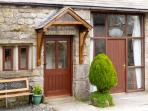 POPPY COTTAGE, open fire, countryside views, character features in Horton-in-Ribblesdale, Ref: 5457