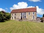 STOUR HILL BARN, family friendly, character holiday cottage, with a garden in West Stour, Ref 5576