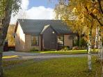 93 DALNABAY, pet friendly, country holiday cottage, with a garden in Aviemore, Ref 5678