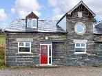 HENDRE ALED COTTAGE 3, romantic retreat, with en-suite bedroom and open plan living area, in Llansannan, Ref 6479