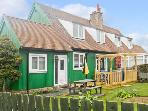 CRA-NA-GE, family friendly, with a garden in Embleton, Ref 694