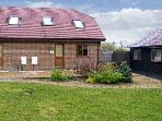 MOLE HILL COTTAGE, romantic, country holiday cottage, with a garden in Alderholt, Ref 6969