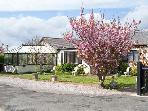 BEACH BUNGALOW, family friendly, with a garden in Rhyl, Ref 8086