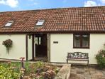 BEECH COTTAGE, family friendly, country holiday cottage, with a garden in No Village, Ref 9178