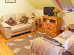 CWRT-Y-CADNO, country holiday cottage, with a garden in Trimsaran, Ref 9900