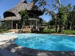 Private pool, Wifi, Staff , garden,  beach&lt; 5 mins