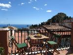 Taormina center! Beautifull flat with a sea view!