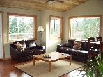 Cozy, Private, 1BR Carriage House on Quiet Acreage