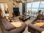 IP 213: Beachfront 2bedroom with WiFi, large HDTV's,free beach service