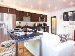 Amazing 2 Bed Venice Beach Modern Oasis with Yard!