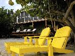Seagrape Escape:Bright,breezy beach house w/ Wifi!