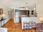 1 Bedroom Belltown Oasis
