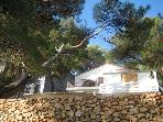 2-bdrm apt by the sea, Valdarke, Losinj, Croatia