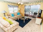 TP 405: Fantastic corner condo -beachfront balcony,BBQ,WIFI,FREE BEACH CHAIRS