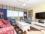 GD 111: Awesome nautical condo- parking,WiFi,jacuzzi tub,pool, FREE BCH SVC