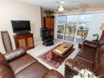 GD 104: Exquisite 2nd story unit- WIFI, BBQ, FREE BCH SVC, TENNIS