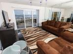GD 211:Awesome waterfront crnr unit! Flat screen TVS throughout! FREE BCH SVC