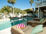 Beach Retreat - Holmes Beach Holiday Rental Home - 4 Bedrooms - 208A 72nd Stree