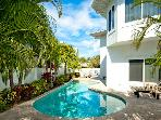 Dragonfly Breeze - Holmes Beach Holiday Rental Home - 3 Bedroom - 140 50th Stree