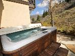 Huge 3BR + Den House Minutes from Beaver Creek &amp; Vail w/ *Hot Tub*!