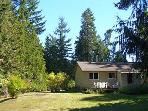 Ravenwood Cottage - Parksville 3 Bedroom Vacation Home