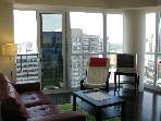 Downtown Toronto Hotel Alternative Suites -1Bd+Den