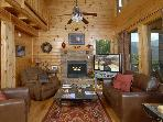 Pigeon Forge 3 BR Semi Secluded Cabin,Theater Room