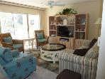 Charming 2 BR &amp; 2 BA Condo in Sanibel Island (101)