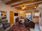 Casa Kiva - Charming, Traditional Santa Fe-Style 2BR House - Close to the Plaza Historic Center