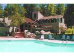 &quot;Serene &amp; Peaceful&quot;, Hot Tub, WiFi, Sleeps 10!