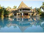 Luxury villa for big family holidays & weddings