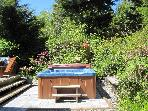 Pacific Coast Retreats Cedar Shack Cabin Hottub