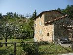 5 bed farmhouse & pool between Lucca and Florence