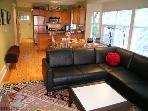 Stunning Kitsilano Townhse Near Beach. Sleeps 5.