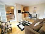 Gorgeous one bedroom apt in Chelsea Free night!