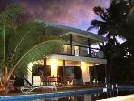 AVARO HOUSE - Beachside & Swimming Pool
