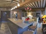 Le Pinot-Elegant 2 bedroom apartment in Beaune.