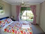 Adelaide Seaside Home - 5 mins from Brighton Beach