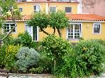 Gorgeous 2 Bedroom Cottage in Sintra with Yard