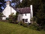 CWM SIRHOWY HOLIDAY COTTAGE